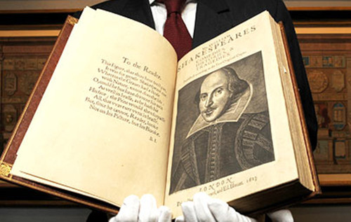 10-The-First-Folio-William-Shakespeare-690x437