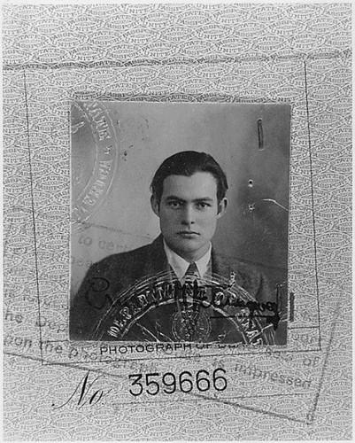 Foto do passaporte de Ernest Hemingway, 1923.jpg