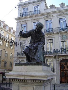Estátua do poeta António Ribeiro, o Chiado.JPG