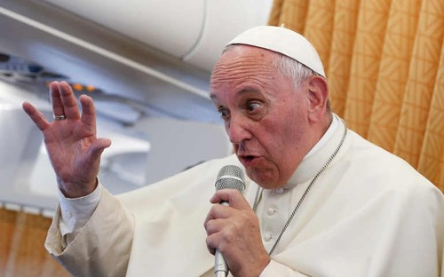 POPE-ARMENIA-PLANE.jpg