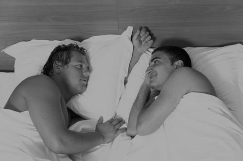 casal-gay-serodiscordante-hiv-hpv.jpg