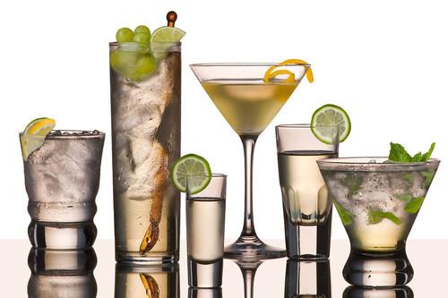 mesmo-que-o-consumo-seja-pequeno-o-alcool-e-um-age
