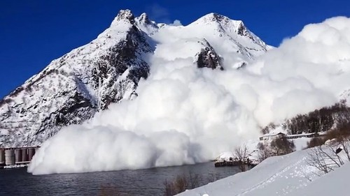 avalanche_video_northern_norway-600x337.jpg
