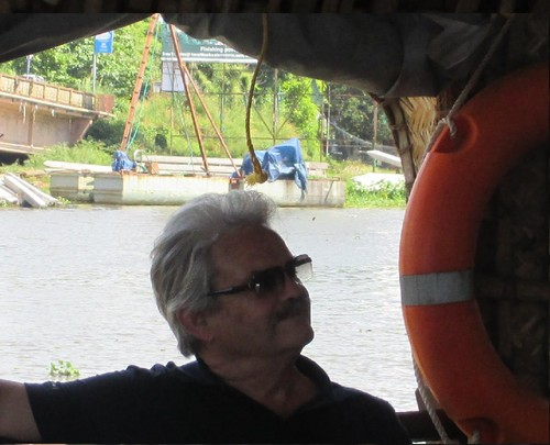 Henrique, navegando na baía de Cochim-NOV15.jpg