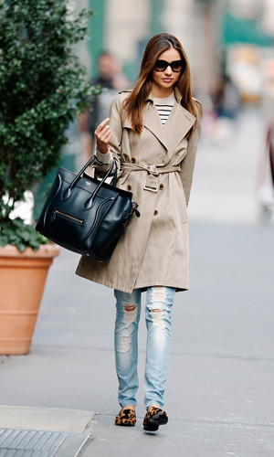 18-miranda-kerr-street-style-personal-style-trench