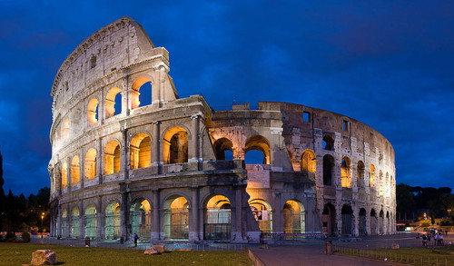 1024px-Colosseum_in_Rome,_Italy_-_April_2007.jpg