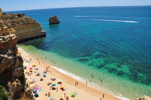 Praia_da_Marinha.jpg
