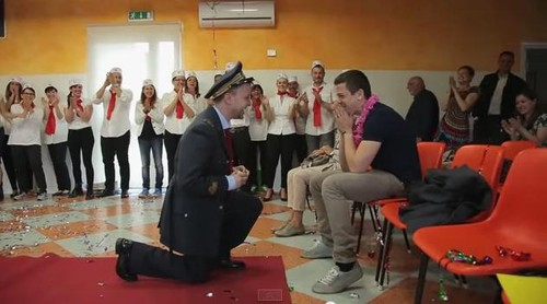 Alberto e Matteo gay italia flash mob video.jpg