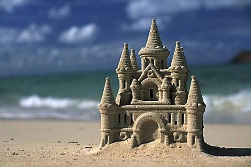 construir-castillos-en-la-playa[1].jpg