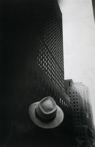 Louis Faurer, Looking Toward RCA Building at Rocke