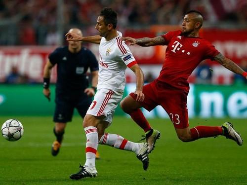 Reuters Jonas Bayern Benfica.gif