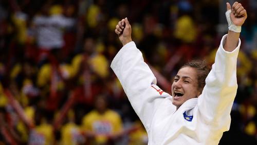 Majlinda Kelmendi bateu italiana na final dos -52 quilos
