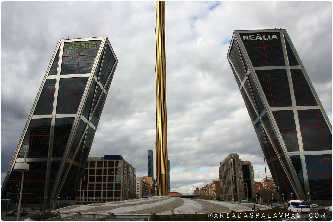 Torres Kio | Porta da Europa | Madrid - Maria das Palavras