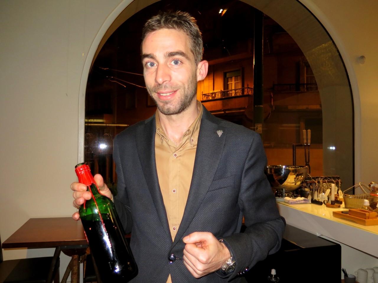O escanção Sérgio Antunes e o Vinho Fino