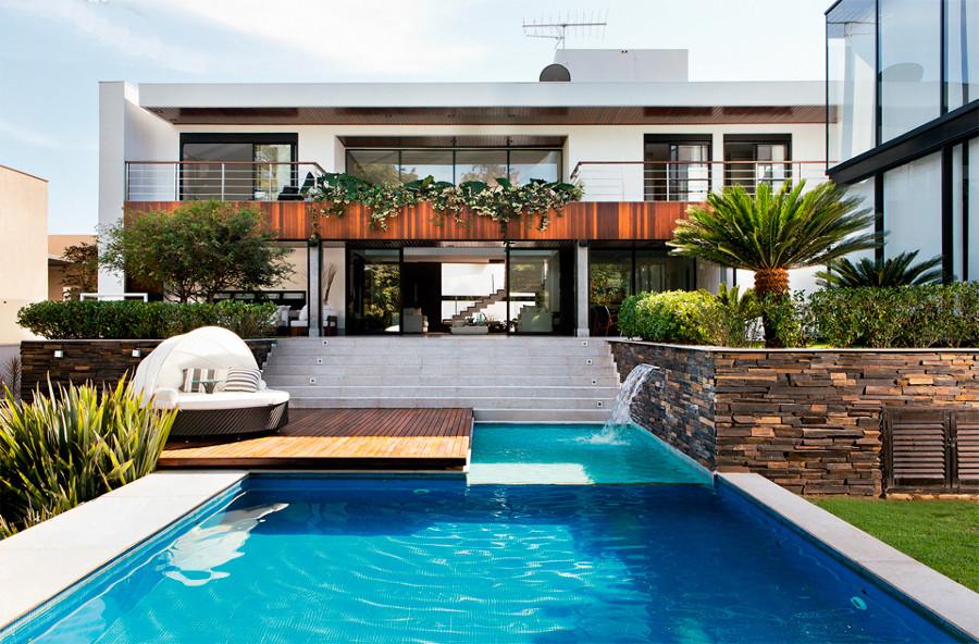 casa-com-piscina-921924.jpg