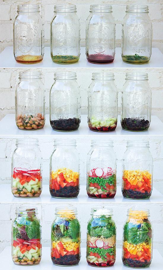 How-Make-Mason-Jar-Salad.jpg