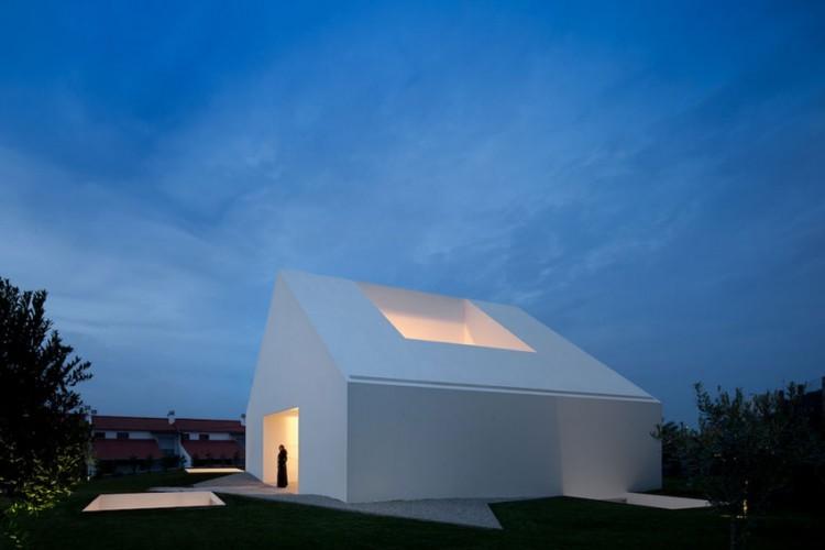 Leiria-House-06-1-750x500.jpg