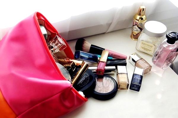 necessaire-make-up-essenciais.jpg