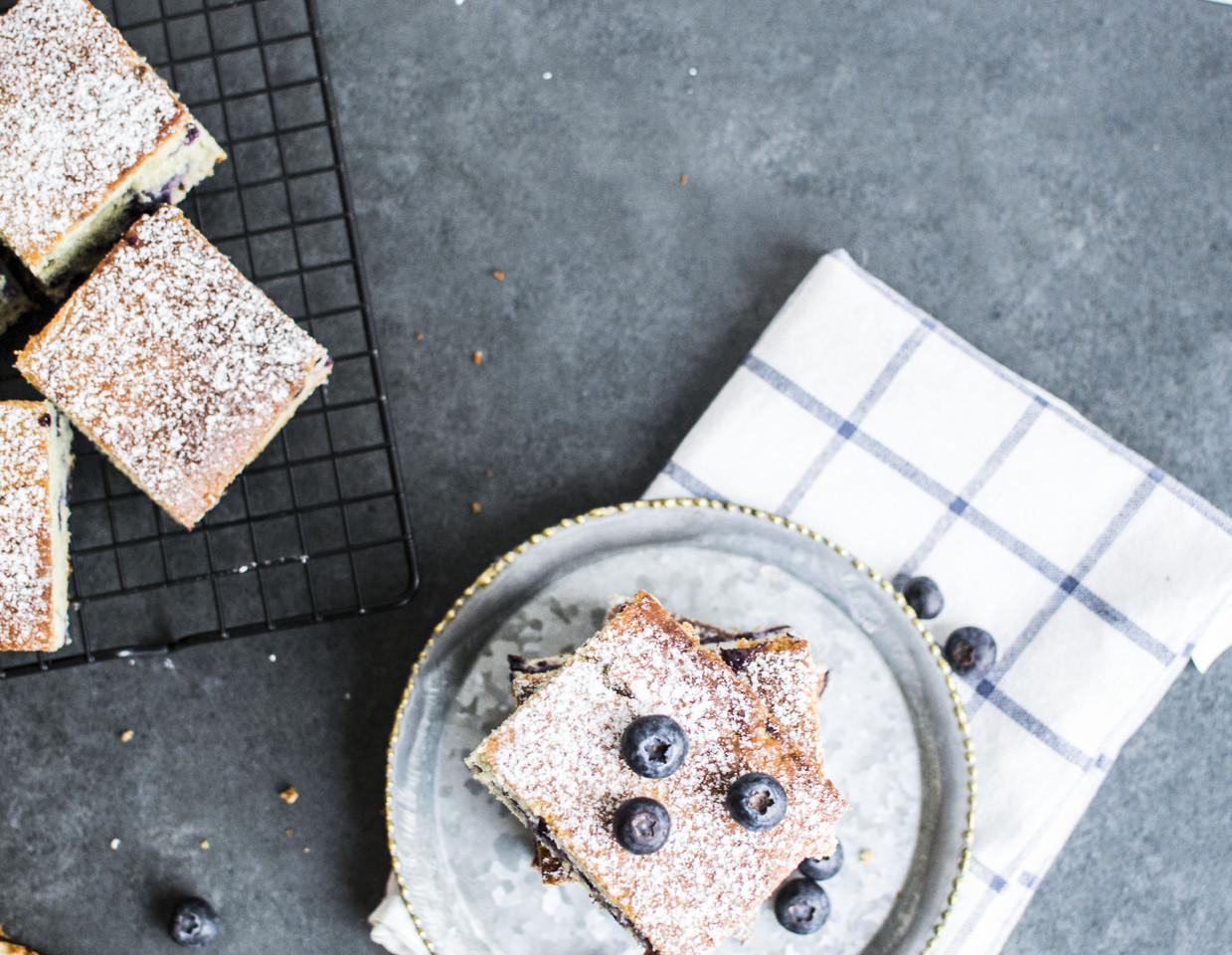 quadrados de mirtilos e queijo quark10.jpg