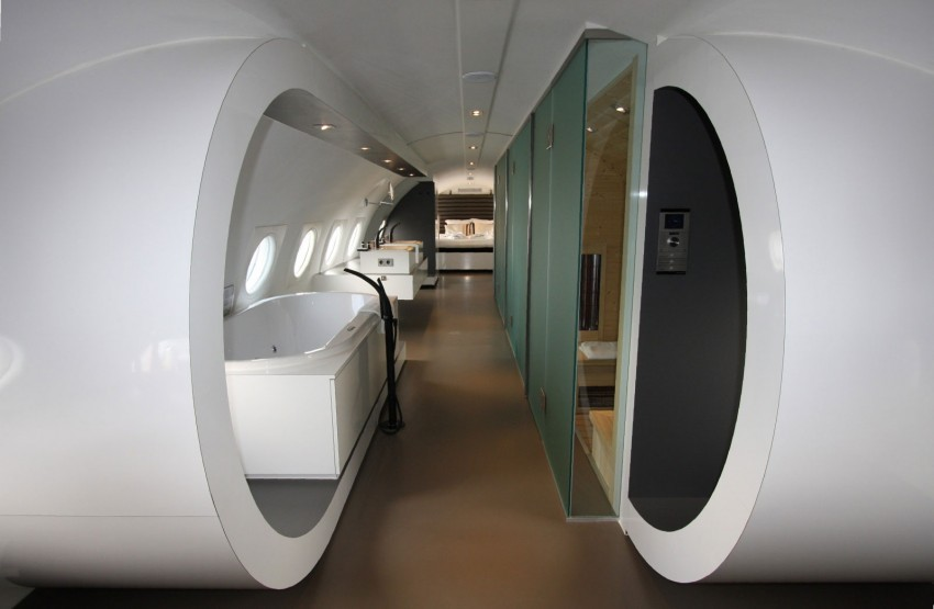 Airplane-Suite-12-850x555.jpg