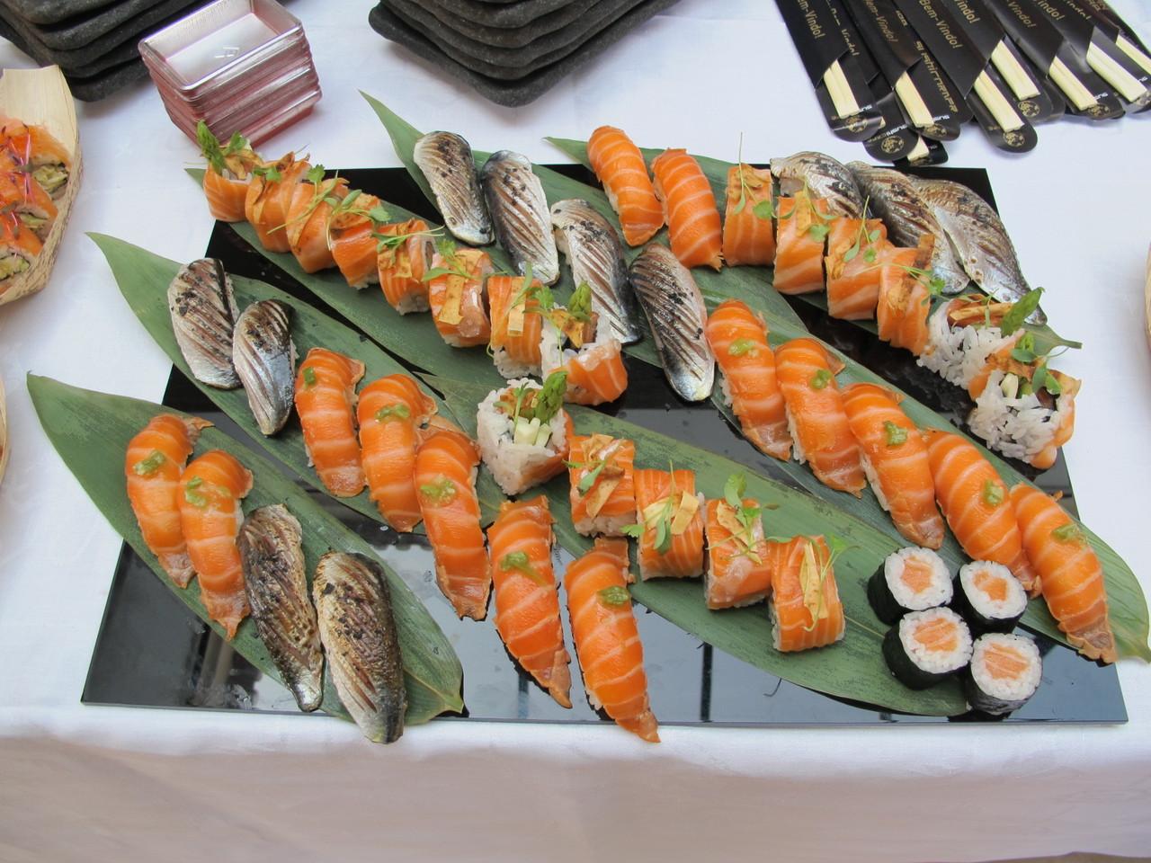O sushi de salmão é muito recente