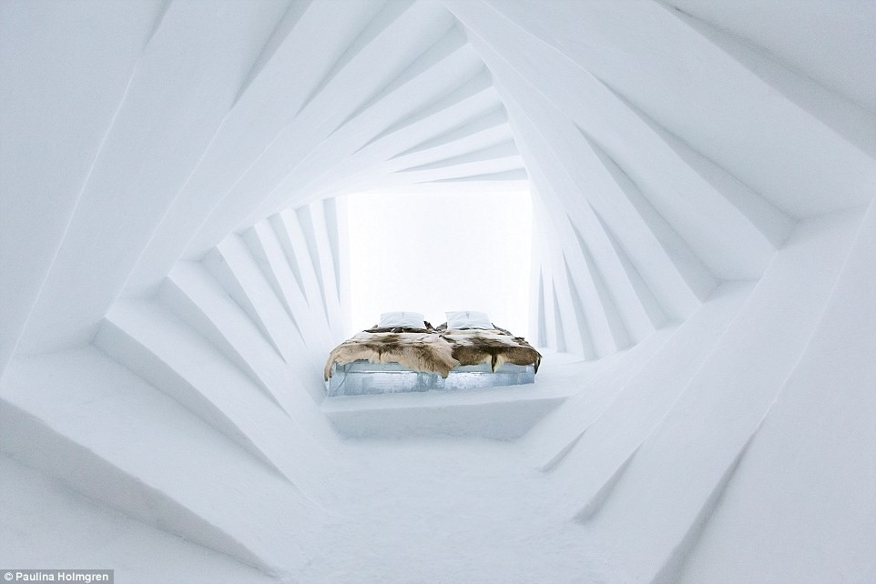 2412620300000578-2874916-This_cosy_hotel_suite_is_