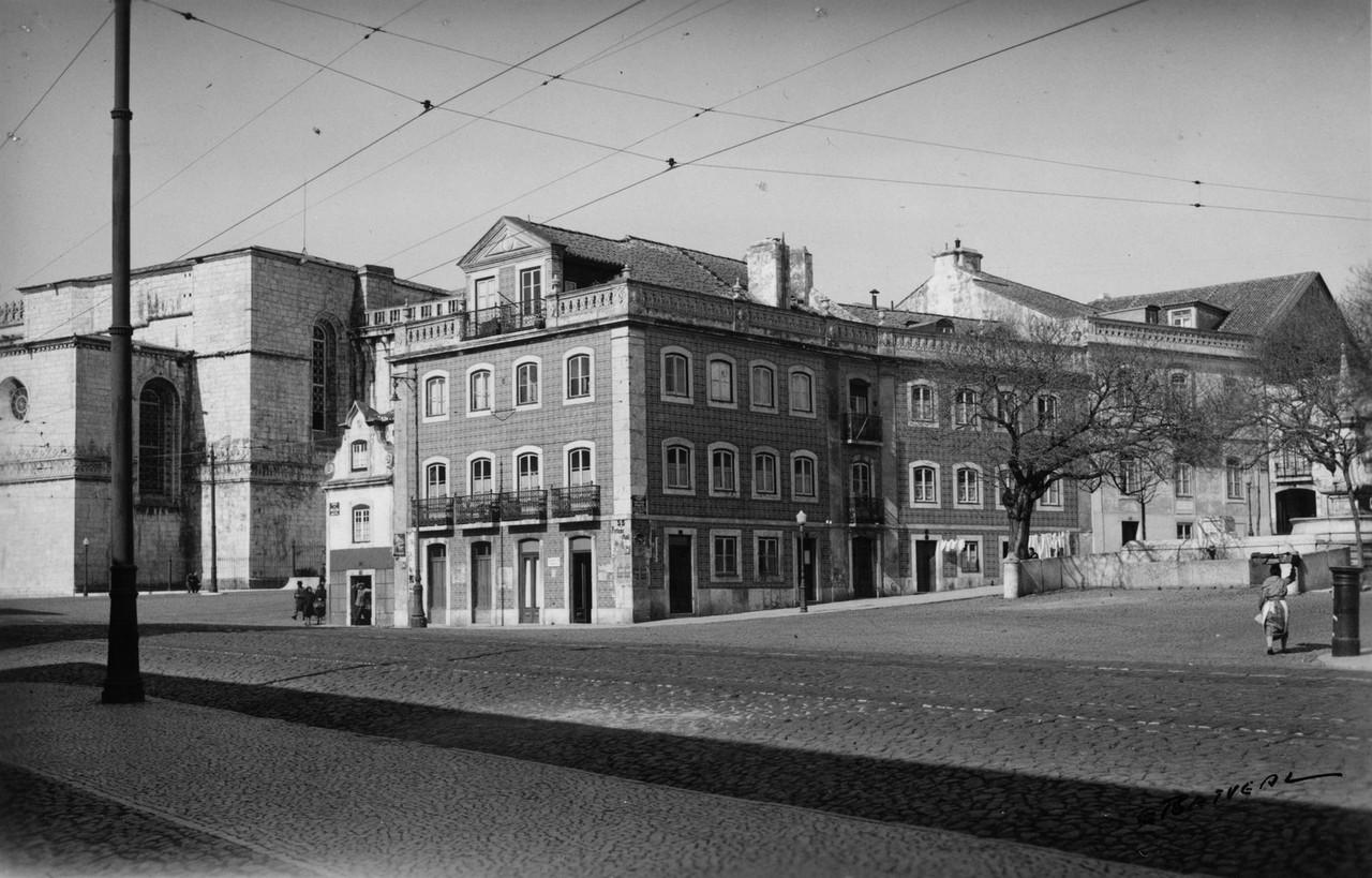 Rua de Belém, casas entre o largo dos Jerónimos