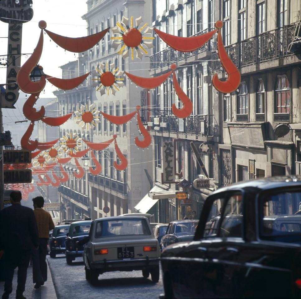 Decorações de Natal, Rua Nova do Almada (A. Pastor, 1973)