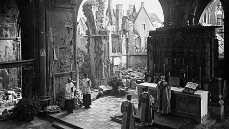 mass_in_destroyed_church460_0.jpg
