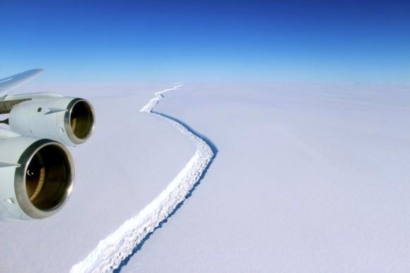 Fissura na plataforma Larsen C, Antártica