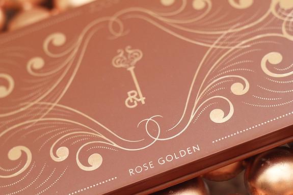 zoeva_rose_golden_eyeshadow_palette03.jpg