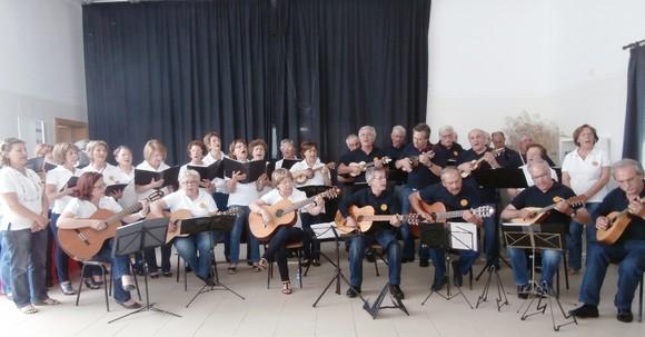 74  Grupo musical (1).JPG
