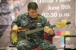 Banda múzika hosi soldadu EUA anima timoroan