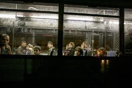 Autocarro com refugiados na chegada a Portugal