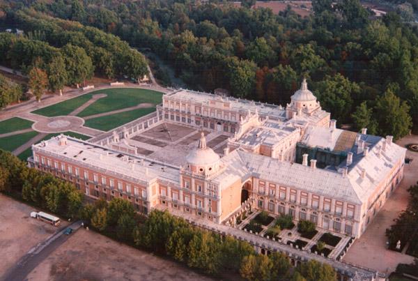 Palacio de Aranjuez vista aérea---Anabella--.jpg