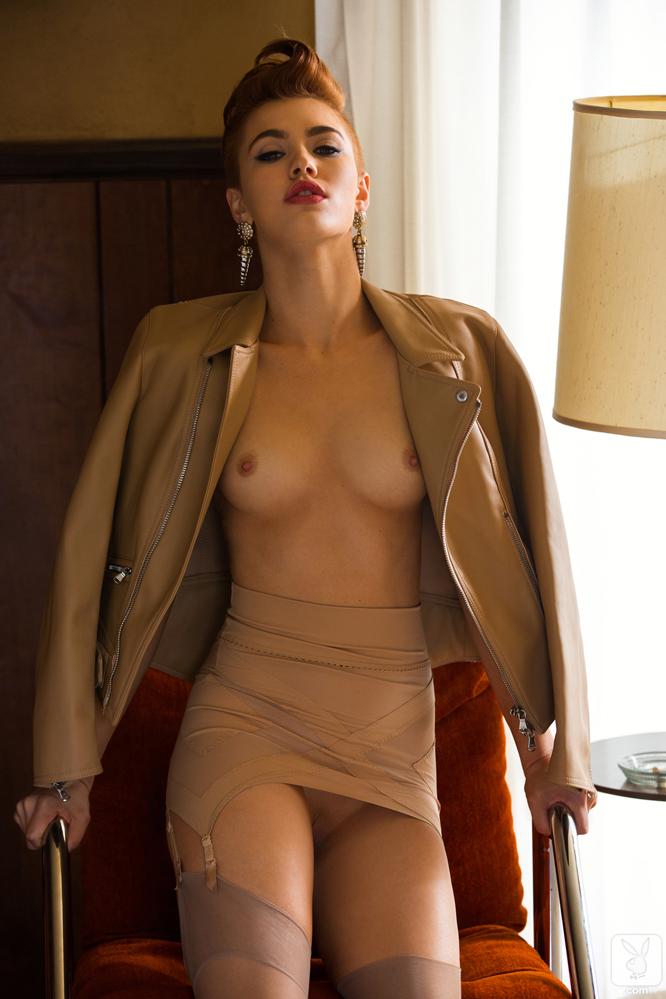 britt-linn-nude-sexy-craving-17.jpg
