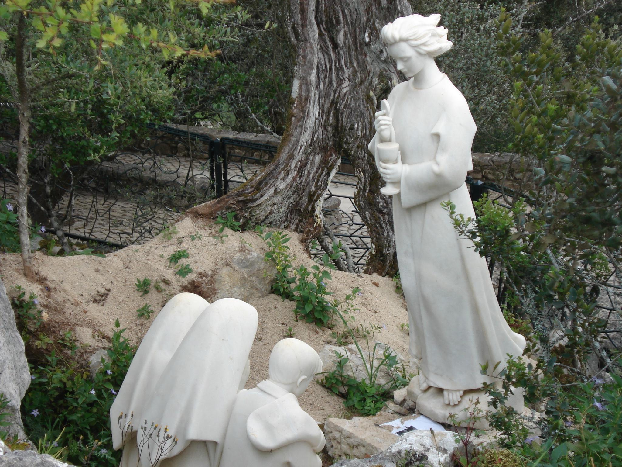 Anjo de Portugal, nas aparições aos Três pastor