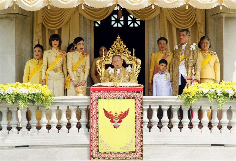 king-of-thailand-bday.jpg